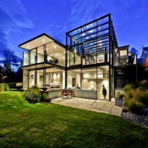 glass-house-outside-290x290
