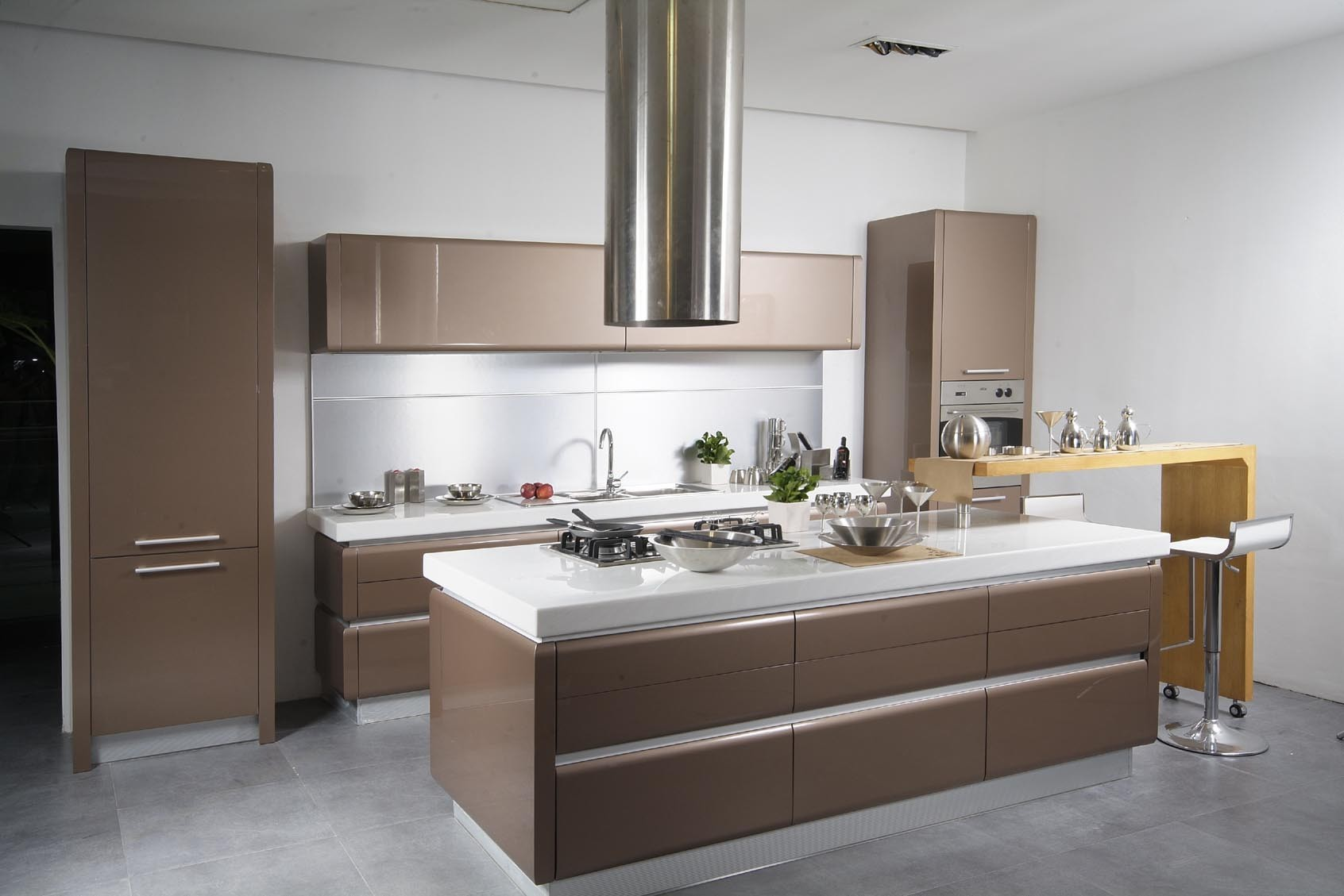modern-kitchen-with-artistic-color-368
