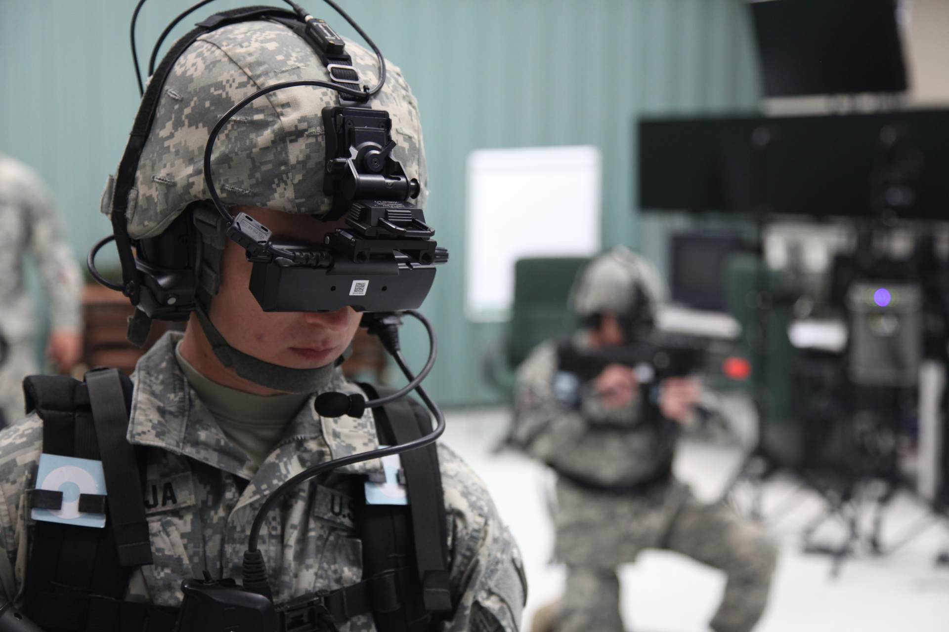 Virtual_reality_training_130417-A-BZ540-114